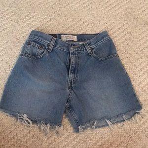 High Waisted Levi's Shorts Size 25
